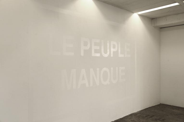 Roberto martinez r 2013 for Peinture mur blanc